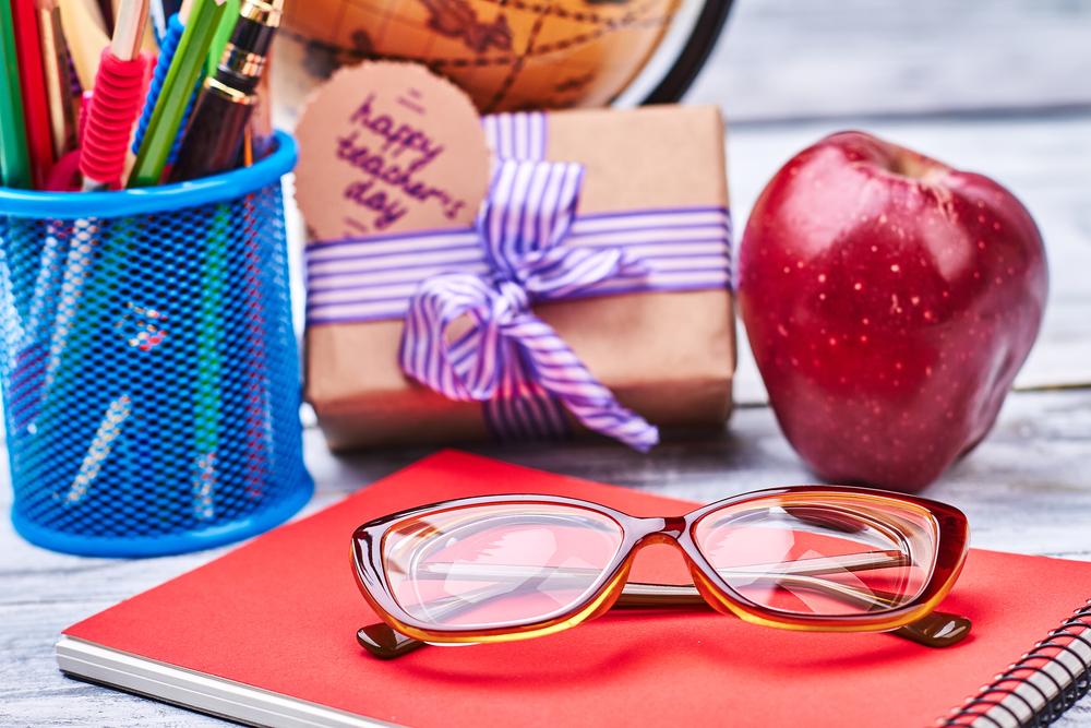 teacher gift basket online
